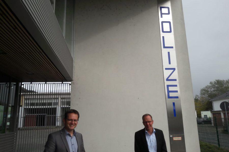 Anlage / Foto (Sven Glombitza): Der hessische Landtagsabgeordnete Tobias Eckert (Verkehrspolitischer Sprecher und Stellvertretender Vorsitzender der SPD-Landtagsfraktion in Wiesbaden) und Kriminaldirektor Frank Göbel. (von links nach rechts)